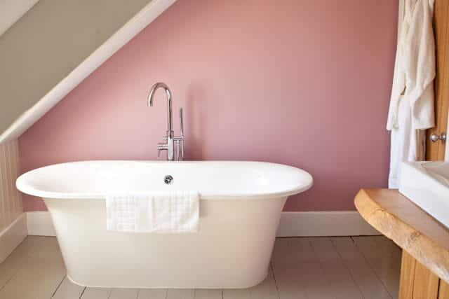 room 2 bath llys meddyg newport pembrokeshire
