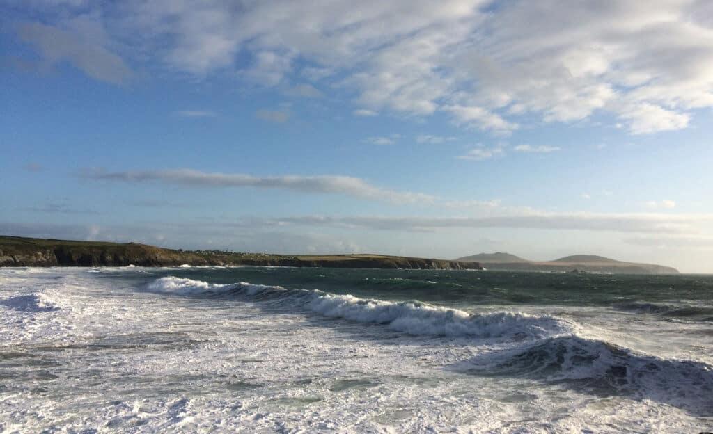 whitesands waves pembrokeshire