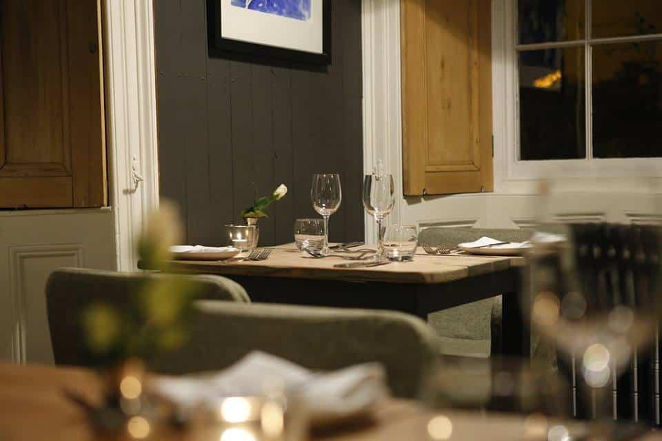 romantic dining room llys meddyg newport pembrokeshire